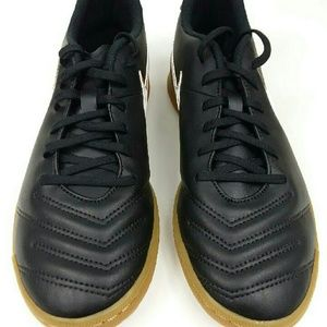 c39aa291923 Nike Shoes - NWT Nike Tiempo Rio III IC indoor soccer shoe